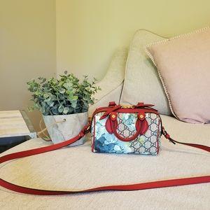 Brand new Gucci mini purse